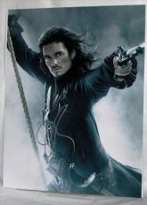 "A758OB ORLANDO BLOOM - ""PIRATES OF THE CARIBBEAN"" SIGNED"